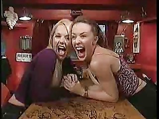 Kylie Minogue & Geri Halliwell - Arm in2 TOUNGE WRESTLING