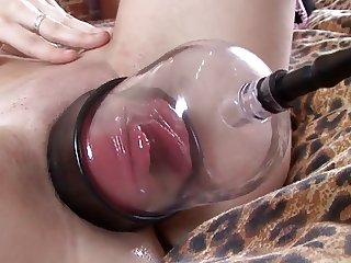 Sexy girl - Pumped pussy