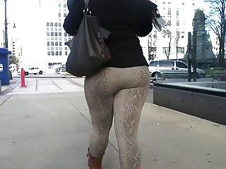 Spandex Booty Strolling