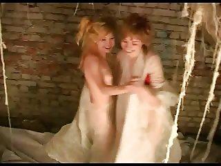weird lesbians
