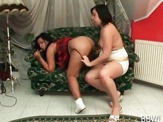 BBW slut teases GFs lesbo twat with lollipop