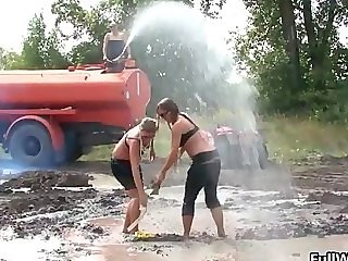Two babes love getting dirty and messy part5