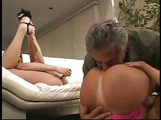 Horny dude gets lucky with 2 hotties