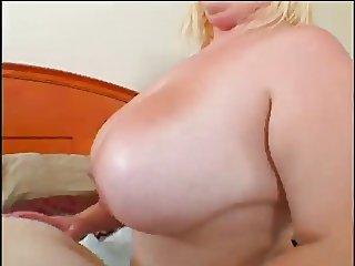 De La Cruz Gets Her Chunky Pussy Eatne By Desire Devine