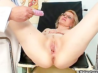 Horny mature housewife going crazy part6