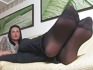 Sexy feet and Ignore fetish