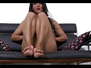 Chloe Lovette feet