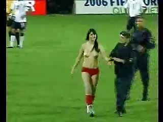 Flashing in Soccer