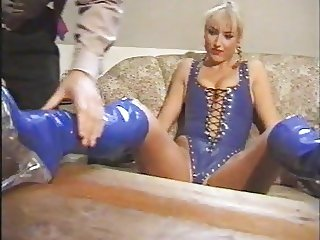 worshipping boots blue latex