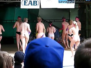 Naked on stage 4