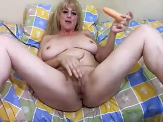 Argentina MILF with big boobs naked on cam (AR)
