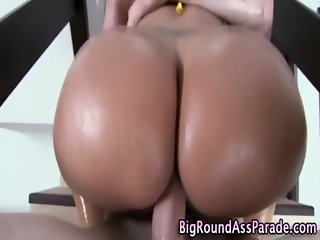 Horny big booty amateur gets fucked