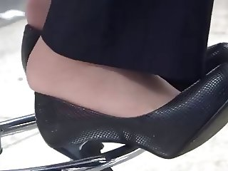 Candid Asian Black Pumps and Nylons Late Shoeplay feet