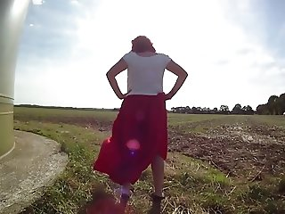 RED SATIN SKIRT WIND