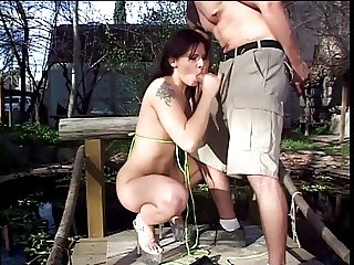 Wooden cottage sees woody in action down a brunettes snatch