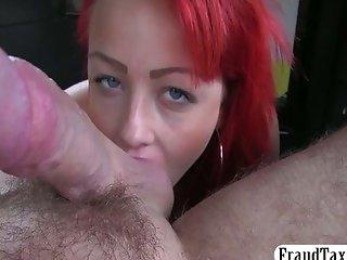 Kinky redhead creampie jizzed in a taxi