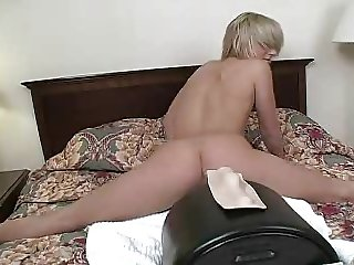 Courtney Rides The Sybian