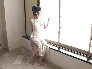 Ayase Ru - Gold Bikini Cosplay