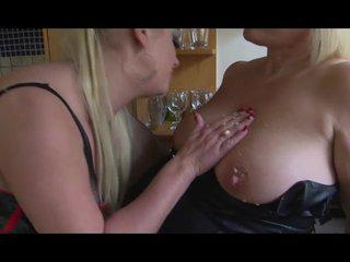 Sookie Blues eats banana out a mature GILF pussy and smears it all on her