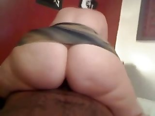 Big booty girl rides