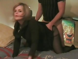 French amateur couple wild doggystyle action