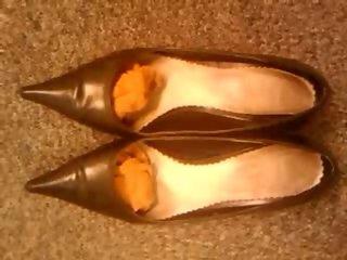 Cumming in secretary'_s high heel shoes I/1