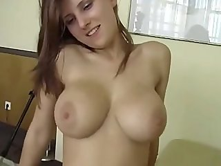 BIG TITS AMATEUR GIRLFRIEND SWALLOW
