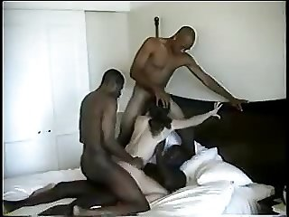 Brunette Hotwife Shannon takes 4 BBC bareback. Gets DP.