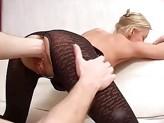SeXy MILF Gets Fisting ASS & PuSSy And Fucking