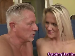 Babe gets cumshot in mouth