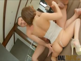 Bubble butt vixen Tina Hot gets double penetrated