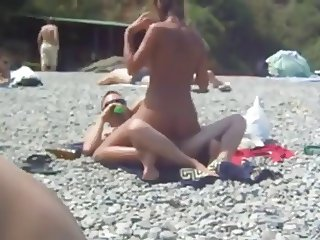 Amateurs fucking on the Beach