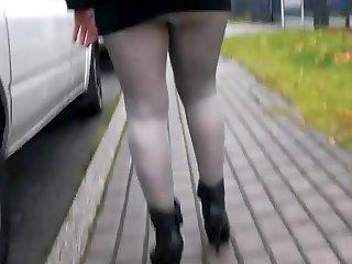 Upskirt Postwoman