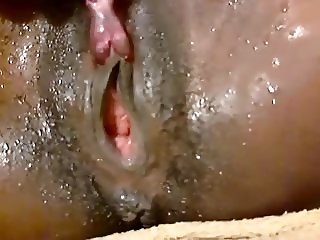 ebony clit play squirt 23