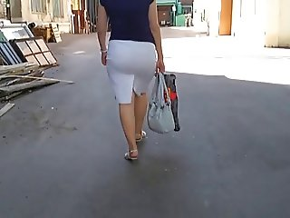 Sweet Candid Ass in Skirt 01 (Mature)