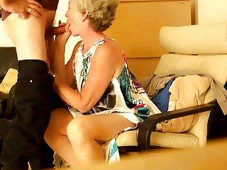 Aine : GOIng down on her Irish man :) ENJOY
