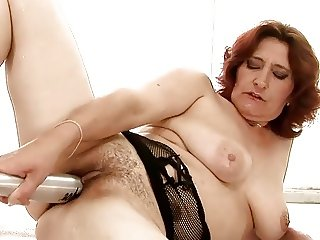 Sweet Matures 01 (Masturbation)