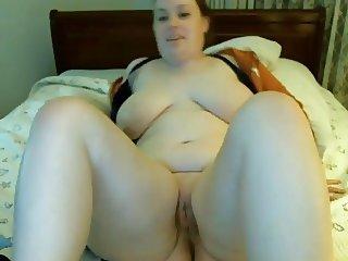 20yo Chubby Babe Masturbating and Creaming