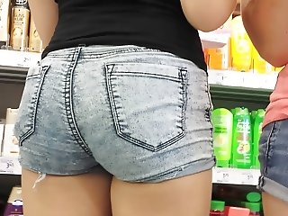 MINI SHORTS SEXY ROUND ASS  20 oct y 1