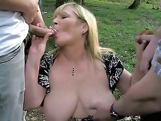 Blond mature Outdoor R20