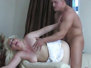 A big bendy blonde milf