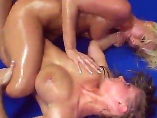 Horny Lesbians Trib Wrestling 02