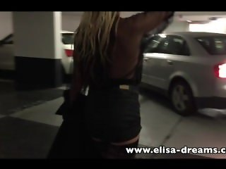 Flashing and dirty in a public parking
