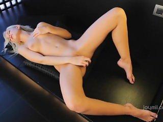 Gorgeous blonde masturbate at evocams.com