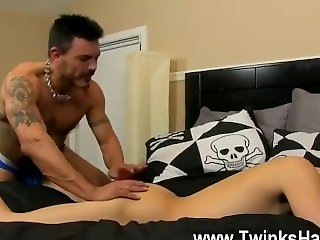 Hot gay scene Muscled daddy Collin enjoys to get a lil' nasty now and
