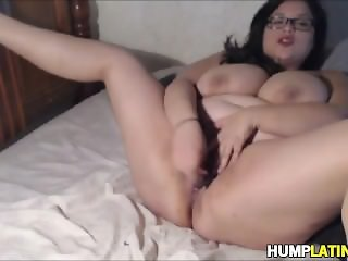 Busty BBW latina toys her snatch