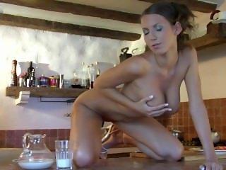 Lizzie Ryan - Milk