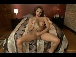TS Jessy Dubai Fucks Her Fleshlight