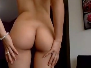 sexy redhead with perfect boobs and nipples on live cam chat