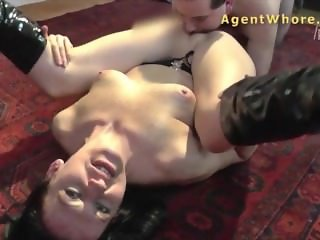 Licking and fingering lesson for inexperienced nerd